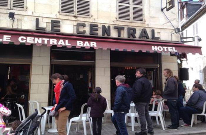 Le Central Bar