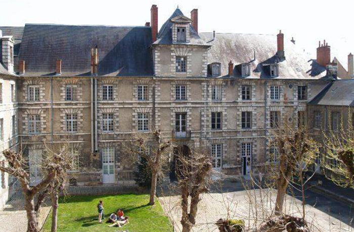 L'Ecole Nationale Supérieure d'Arts