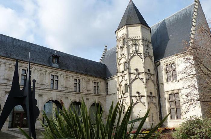 Le Musée Estève, Hôtel des Échevins